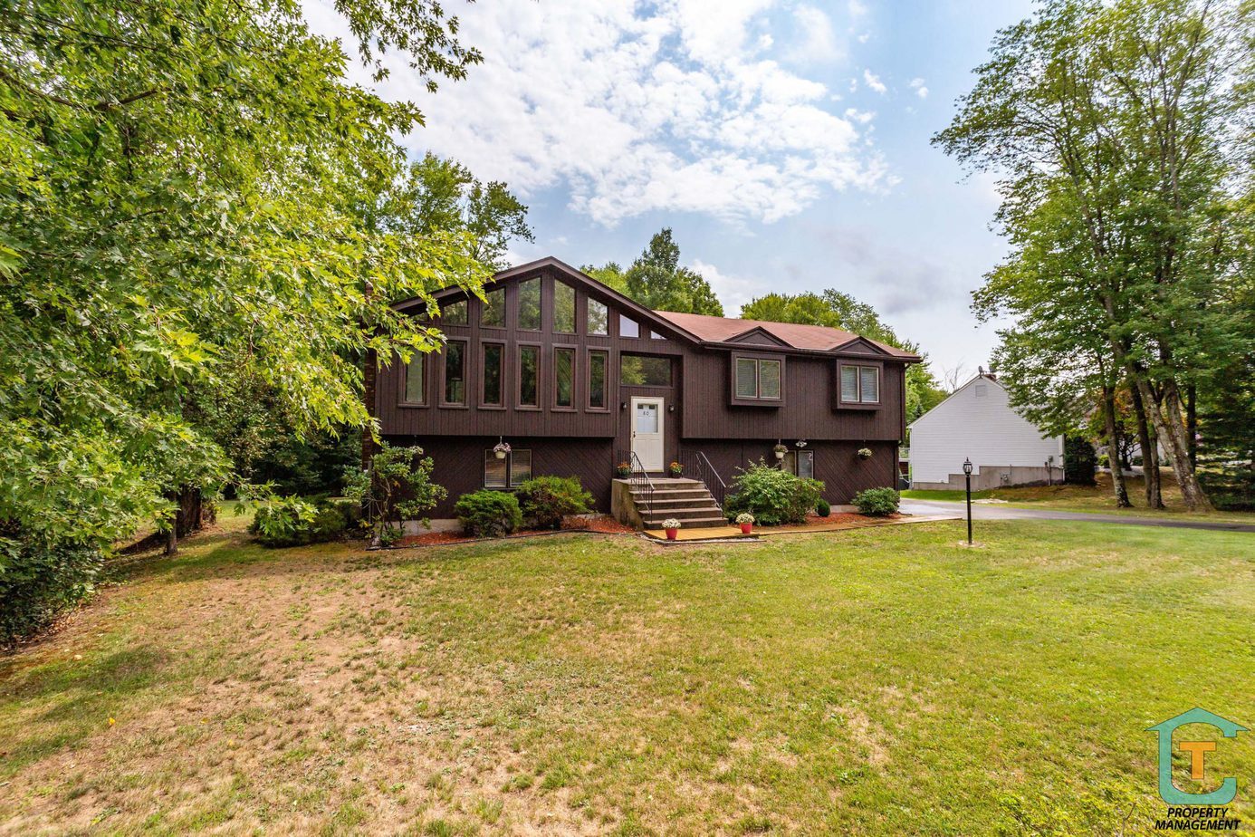 Home for rent in Windsor CT